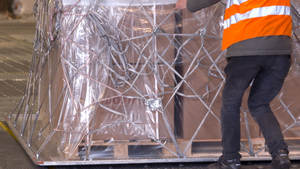 Handling - logistic services